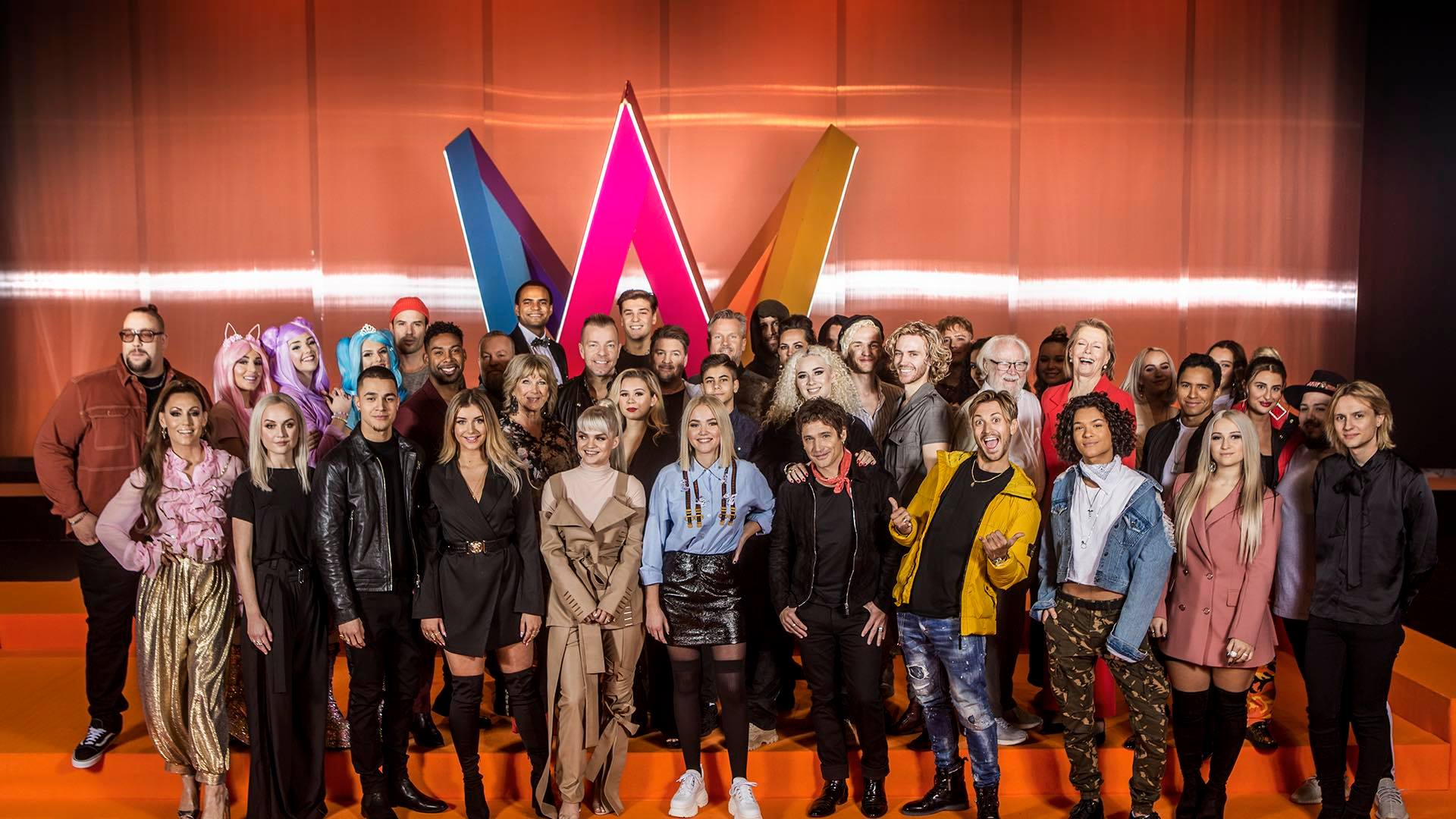 Group picture of all the contestants